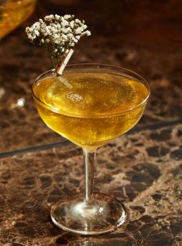 Supernova_restaurant_münchen_maxvorstadt_italienisch_hip_angesagt_bar_drinks_cocktails_sprizz_wein_aperitivo_edel